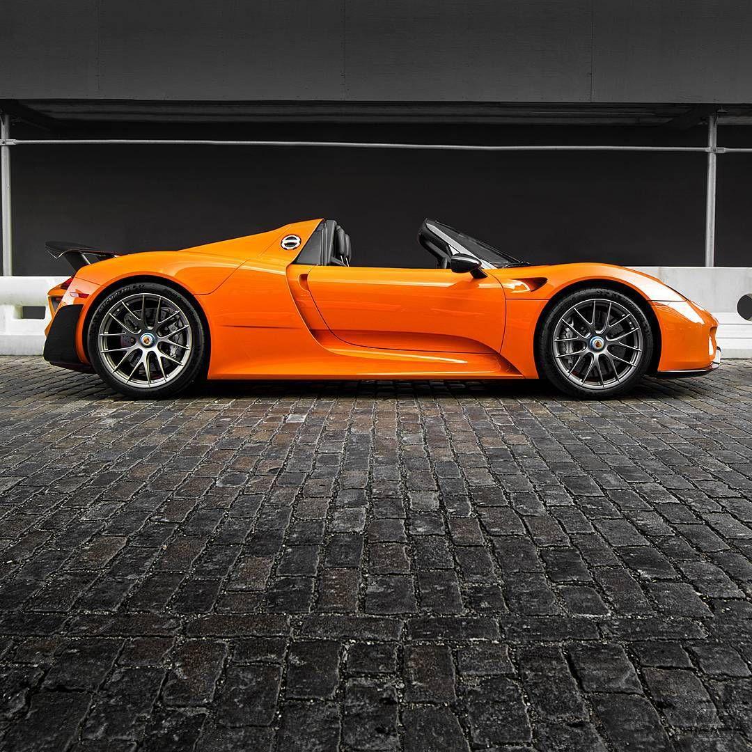 Porsche 918 Spyder Hybrid: Porsche 918 Spyder In Orange At DFC Sunday Drive Starting