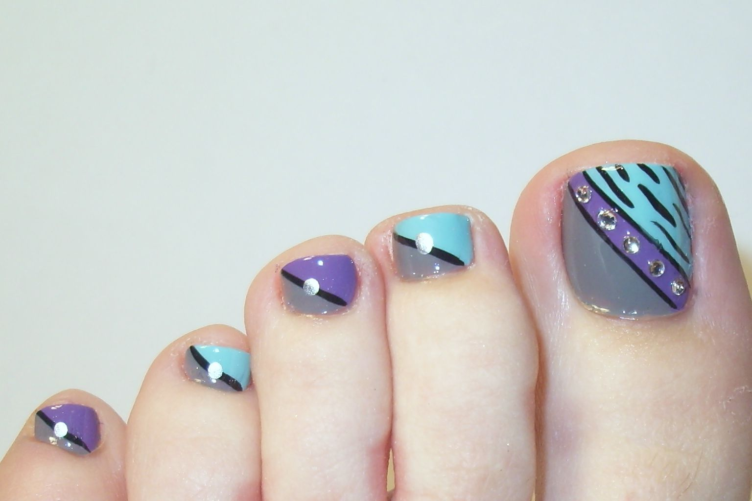 14 Easy Toenail Designs for Showing Creative Ideas | Stylepecial ...