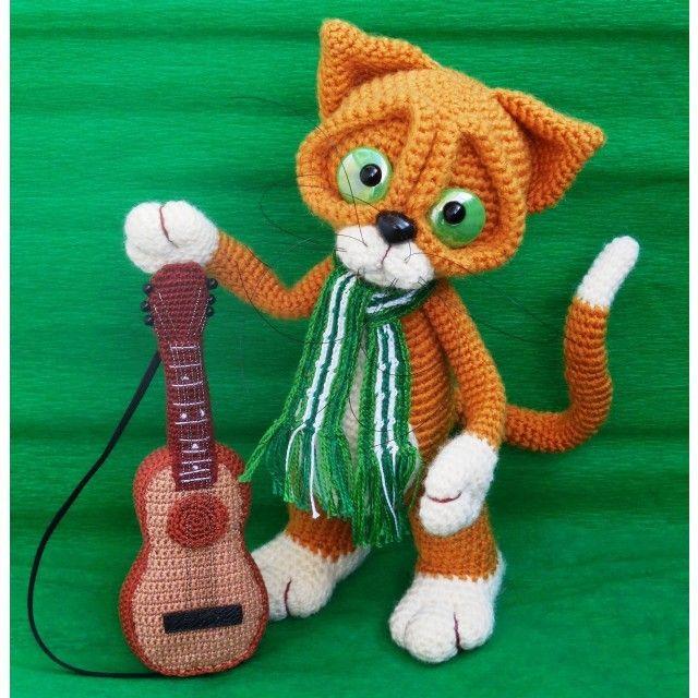 Серенада романтика под окном. Гитара взята взаймы у другого персонажа, он ещё выйдет на сцену) #svetkosha #светкоша #crochettooth #хендмейд #амигуруми #amigurumi #knitting #ручнаяработа #handmade #handmadetoys #mysolutionforlife @solutionsforlife #sea_of_ideas #handmadeALL #мастеркрафт #woki1 #Омск #кот #романтика #любовь #cat #romantic #рыжий #шарф #scarf #гитара #guitar #serenade