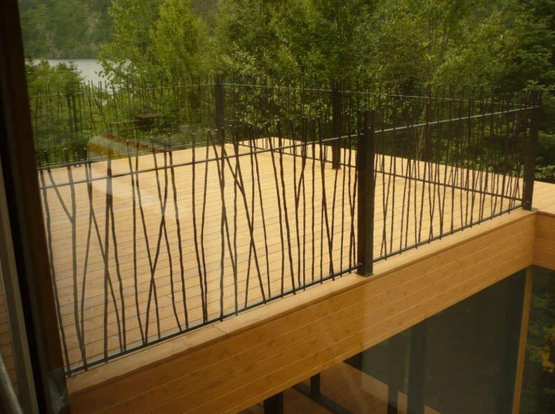 Barandilla de exterior de hierro forjado con barrotes for Barandilla escalera exterior