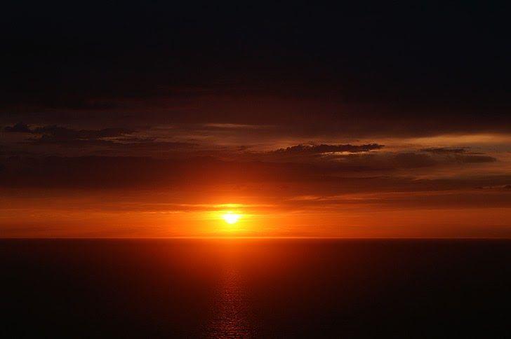 23 Pemandangan Sunset Laut Foto Gratis Matahari Terbenam Senja Laut Mediterania Download 10 Wisata Sunset Terindah Di Di 2020 Pemandangan Pantai Matahari Terbenam