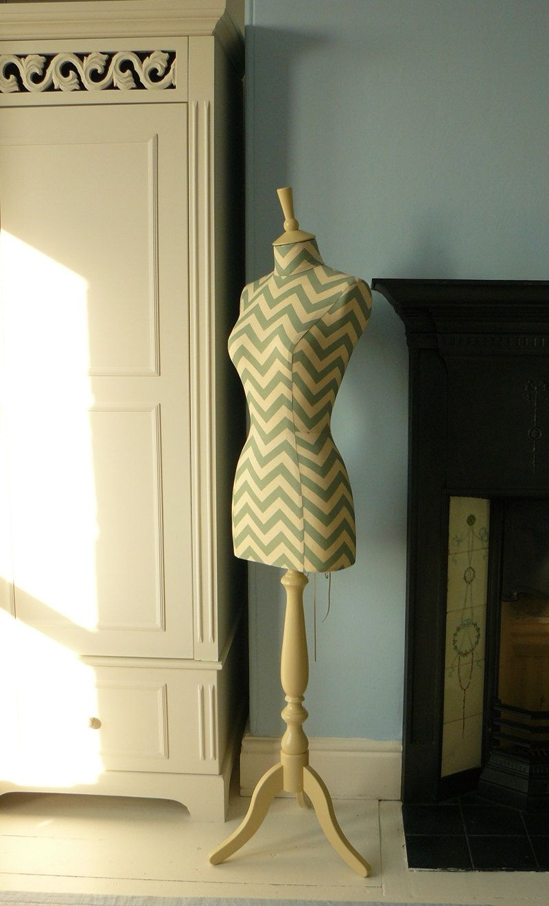 Ahhh and this one!!! I want a fleet of dress forms !!! :) Chevron ...