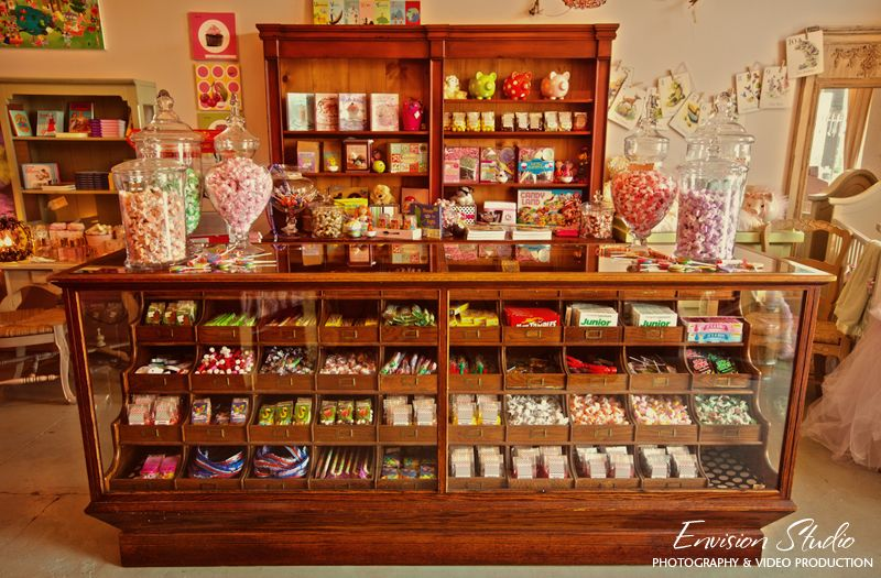 I would love a counter like this in my candy craft room to for Craft bits and pieces