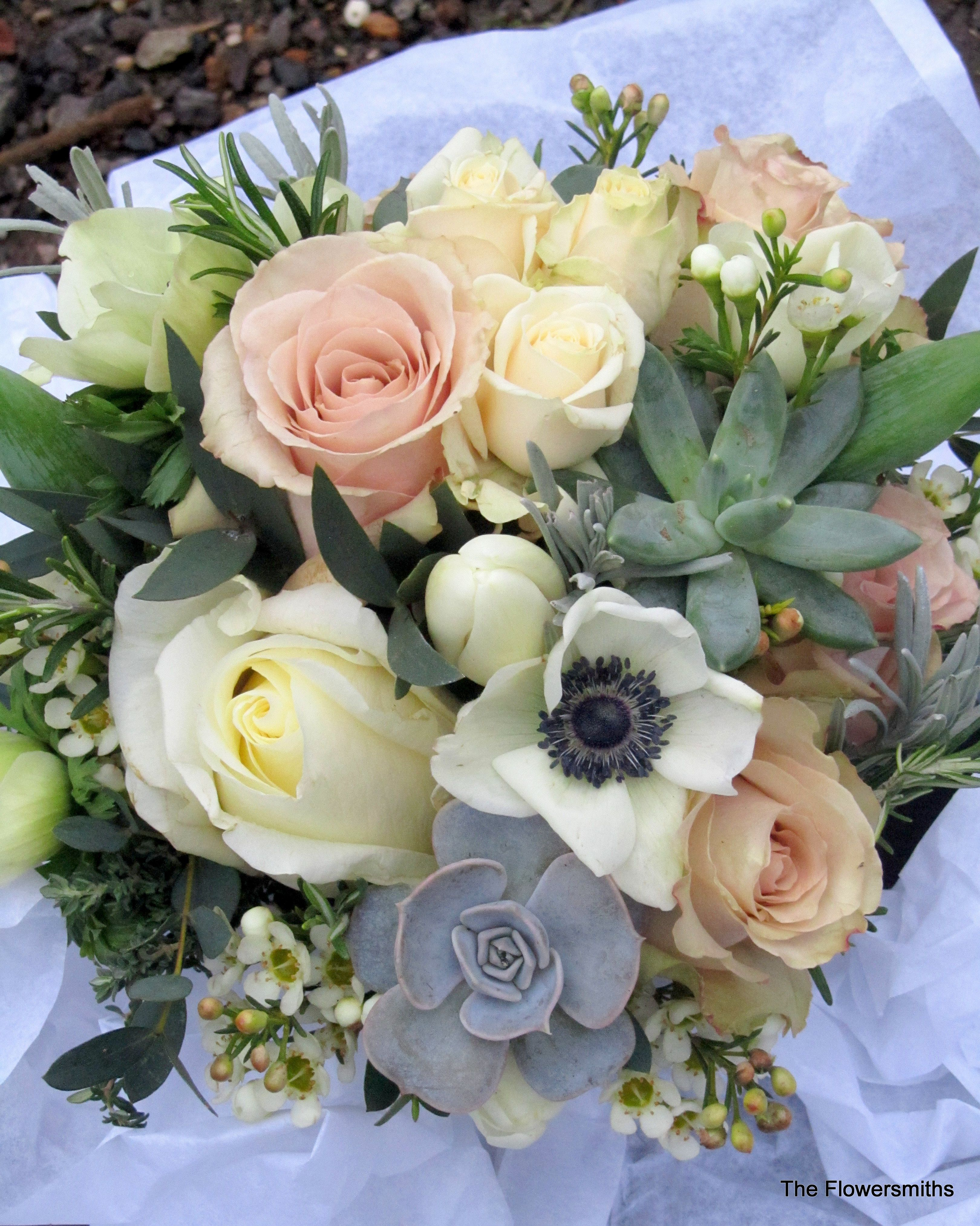 Bouquet with quicksand roses, anemones and succulents. www