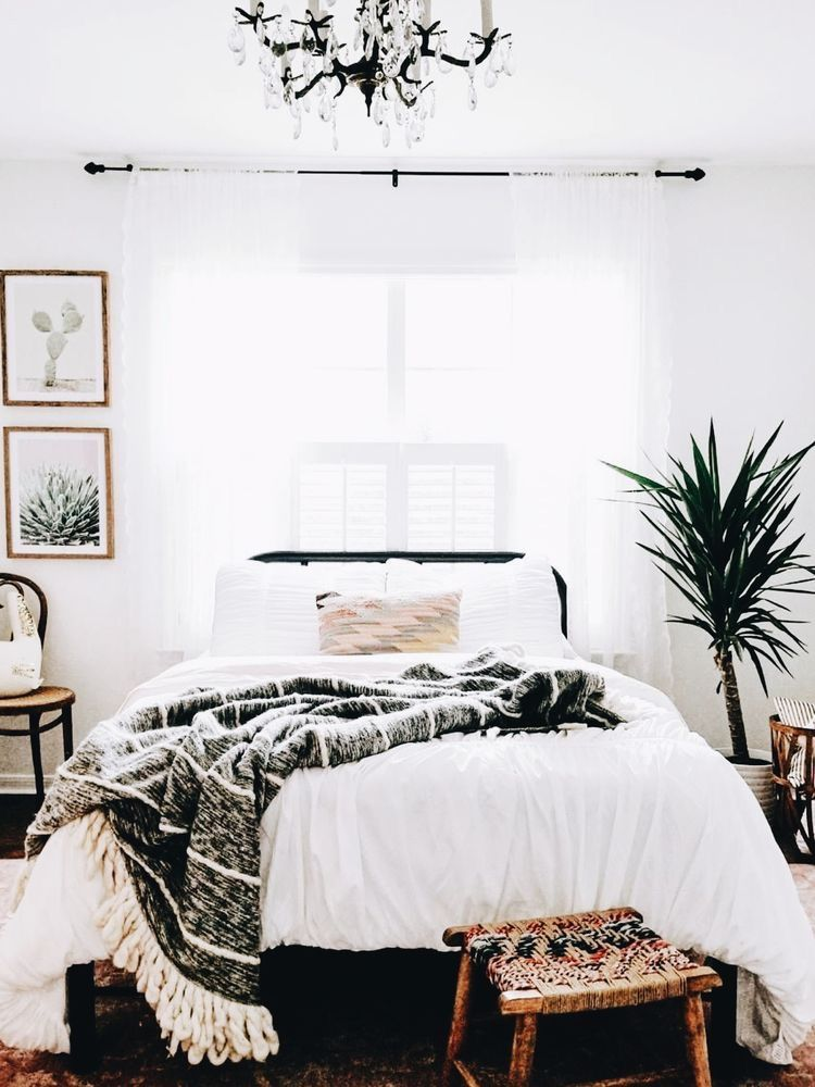 White bed, Black accents | Home decor bedroom, Urban ...