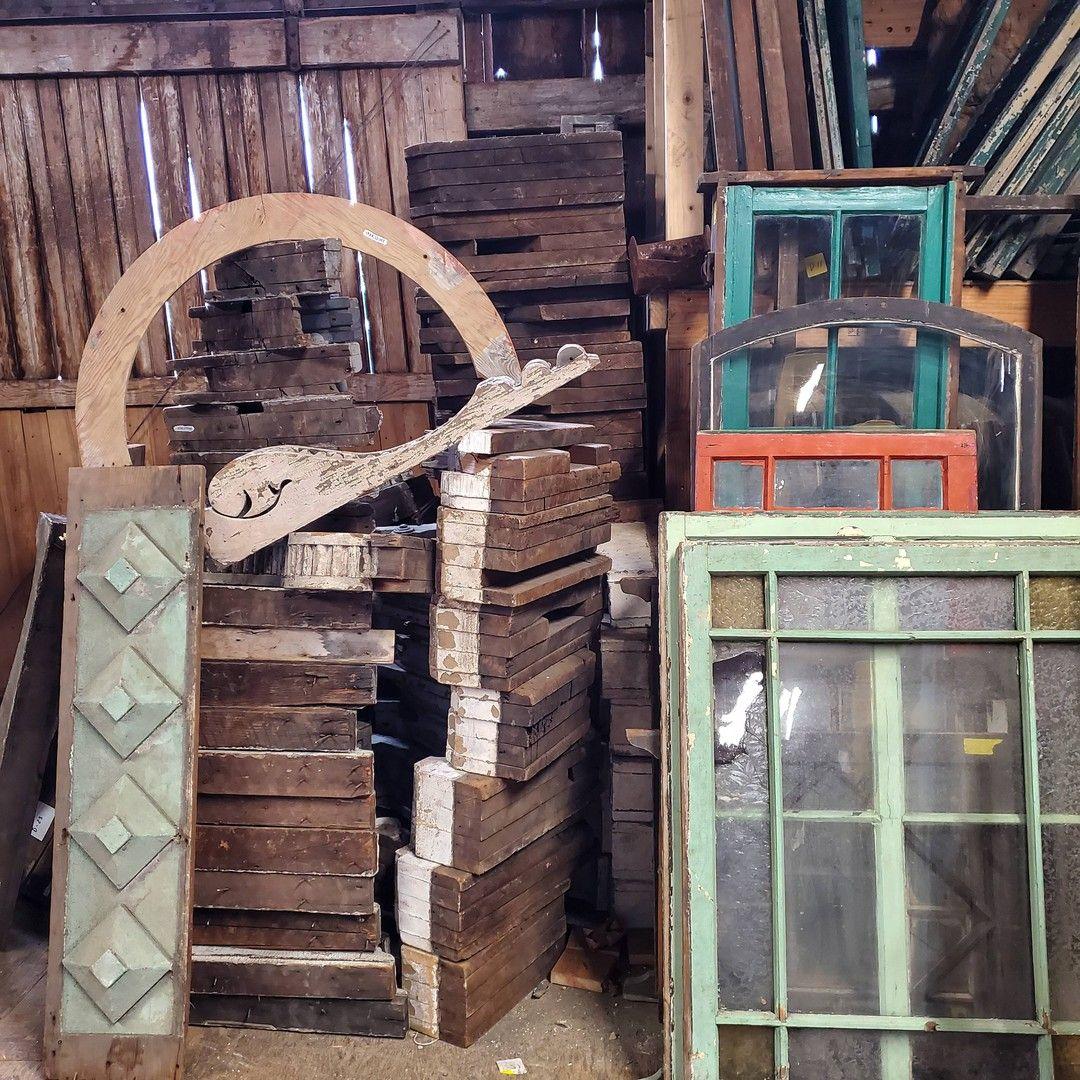 Inventory always presents a challenge... • • • • • • • • • #architecturalsalvage#vintage#vintagefinds#antique#reclaimed#repurposed#homedecor#salvage#salvagestyle#salvagedinteriorstyling#homestyling#interiordesign#pnw#vintageamericana#exploreoregon#oregon #auroramills #vintagefurniture #vintagedecor #vintagestyle #vintagetreasures #setdesign #setdesigner #vintagehome #makeyourownstyle #interiordesign #interiordesigner #interiordecorating #interiordecor #treasurehunt