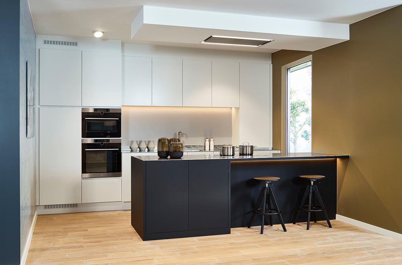 Inox Design Keukens : Design keuken met combinatie kerngekleurd frontlaminaat en mat