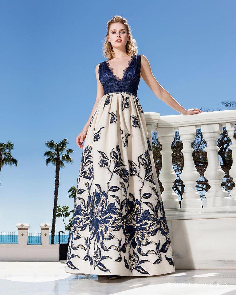 249e9c7bb Vestidos de fiesta 2019. Colección Primavera Verano 2019 Balcón del Mar. Sonia  Peña