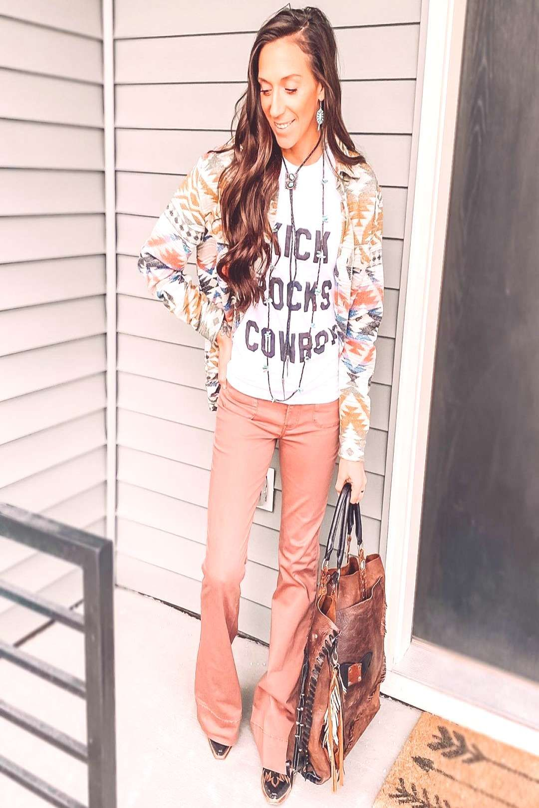 #personstanding #whatever #please #button #aztec #print #shoes #yeah #take #ill #and #up #6 #1 Aztec print whatever, yeah I'll take 6 please * Aztec button up: You can find Cowgirl fashion and more on our website.Az...