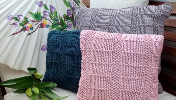 dawanda strickanleitung kissen stricken diy tutorial knitting a cushion cover via dawanda. Black Bedroom Furniture Sets. Home Design Ideas