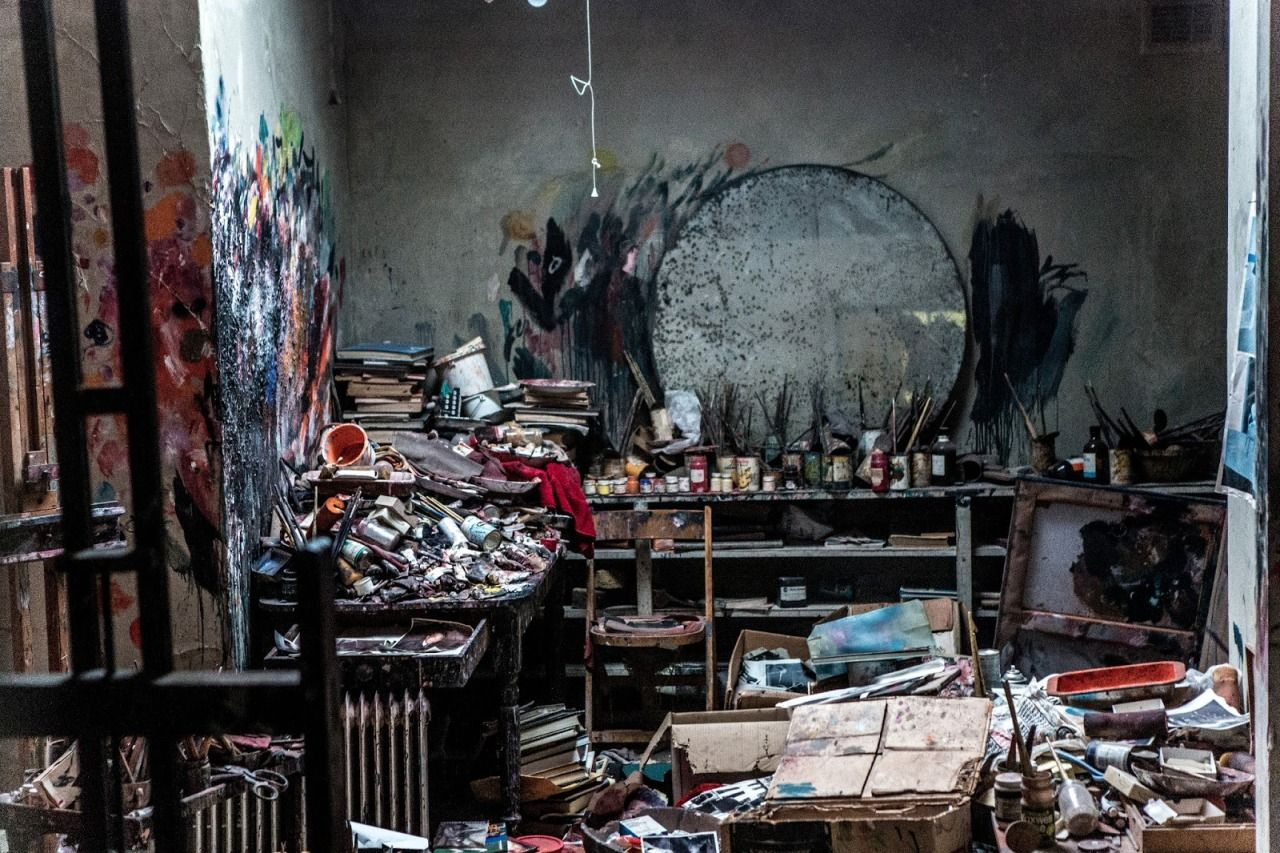 Why The Most Creative People Have Messy Rooms ? Art