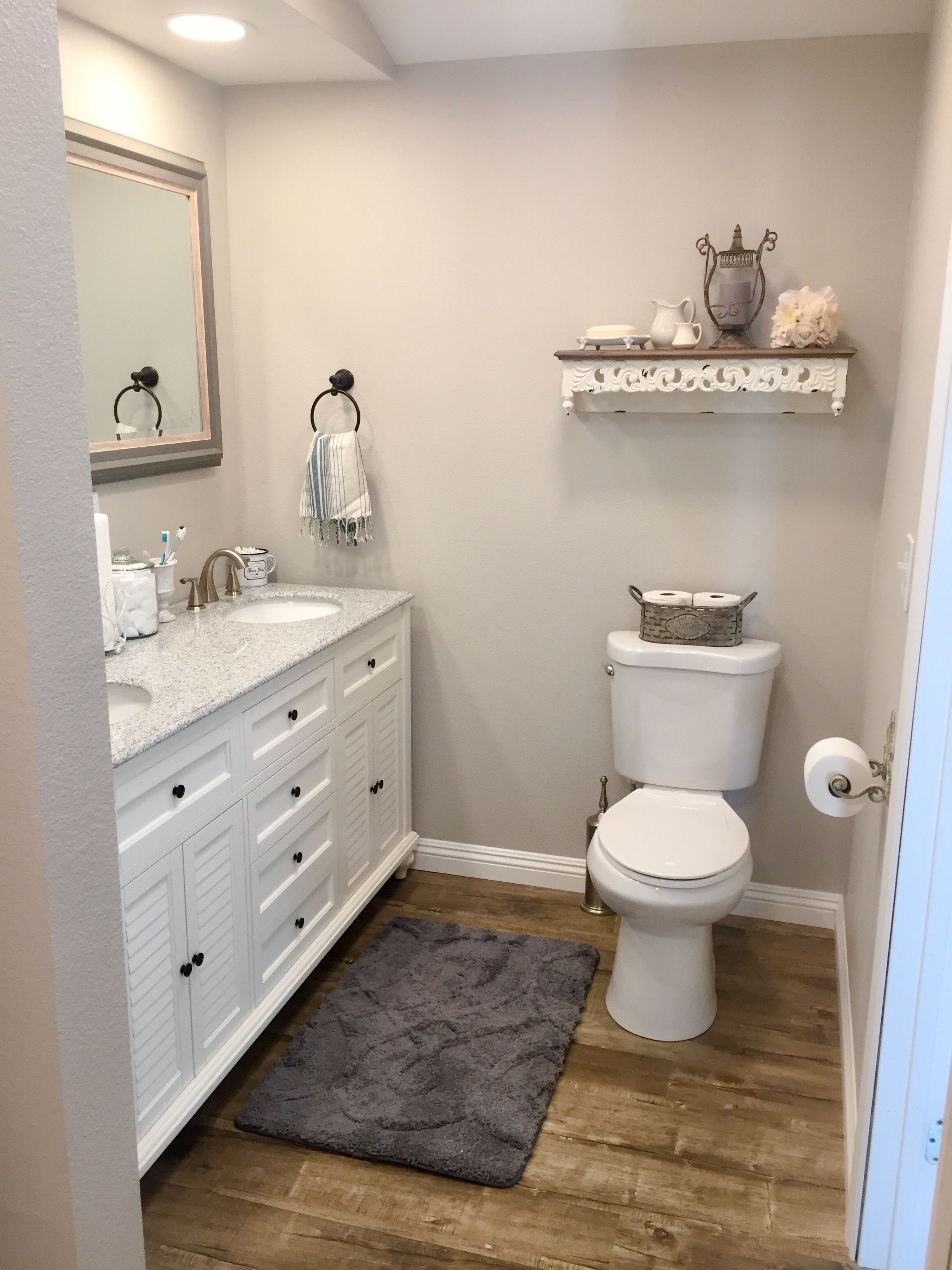 French Country Farmhouse Bathroom Design Small