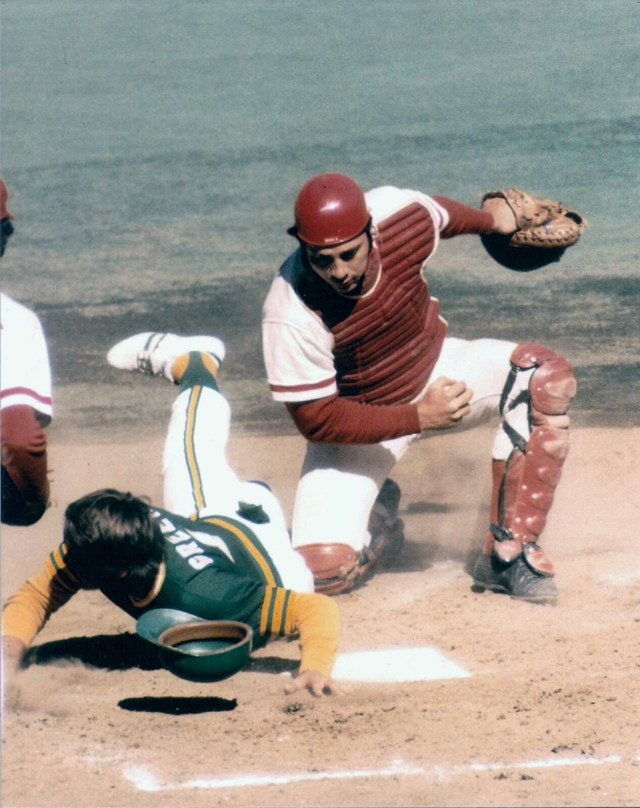 Great Action Johnny Bench Waits To Put Tag On Oakland A S Player 8x10 Reds Johnny Bench Oakland Athletics Baseball Reds Baseball