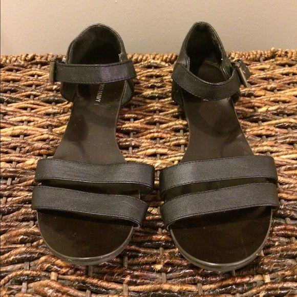 Black sandals Flat black sandals Old Navy Shoes Sandals