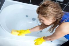 Tips To Clean Fiberglass Tubs And Shower Stalls Cleaning Fiberglass Tub Fiberglass Tub Cleaner Fiberglass Shower Stalls