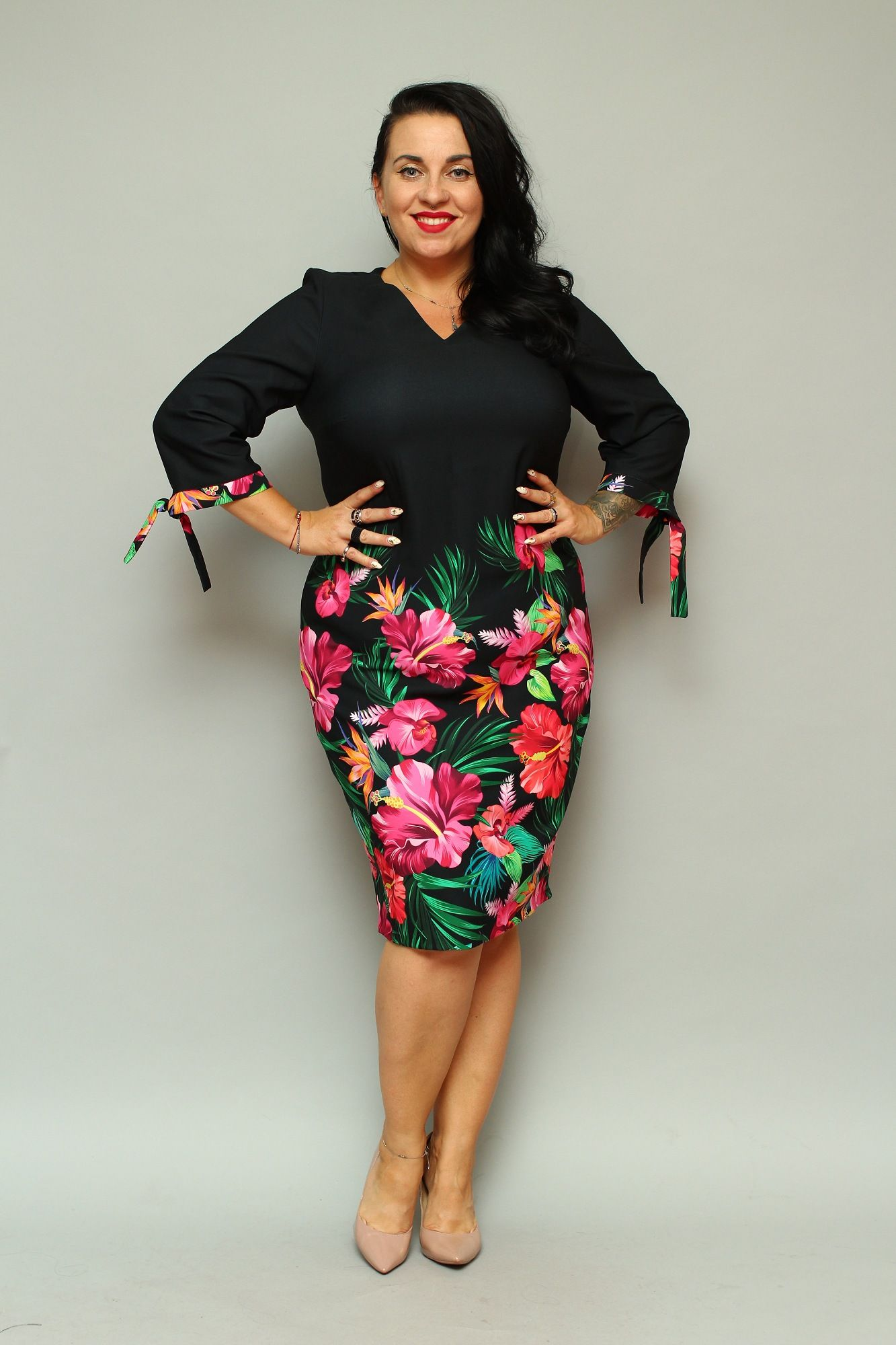 Sukienka Melania Olowkowa Czarna Kwiaty Sklep Internetowy Plus Size Tie Dye Skirt Fashion High Neck Dress