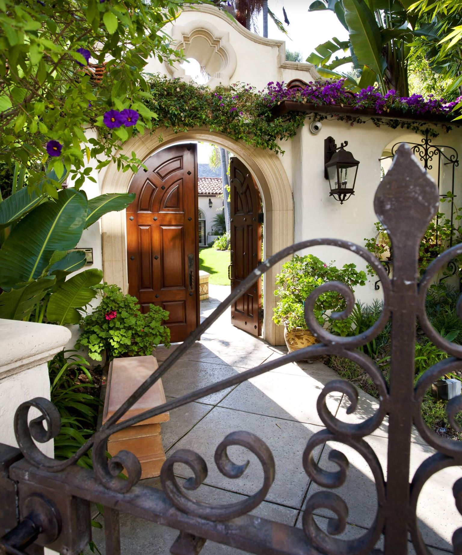 Spanish Style Homes With Courtyards: Spanish Courtyard, Home Decor