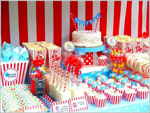 carnival spread - not sure about this website though...look for ideas, I have that big vintage gumball machine I could use, hmmmm