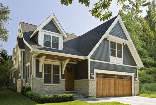 Traditional Exterior design by