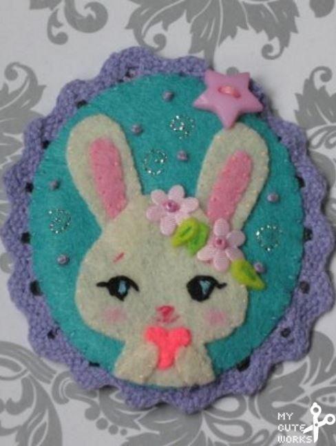 Broche de fieltro de Conejita de Pascua