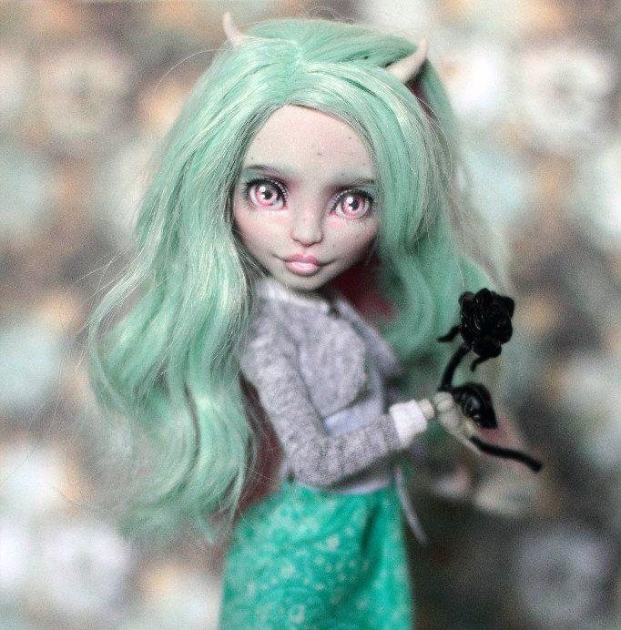 OOAK monster high Rochelle by Emeraldfairyooak on Etsy