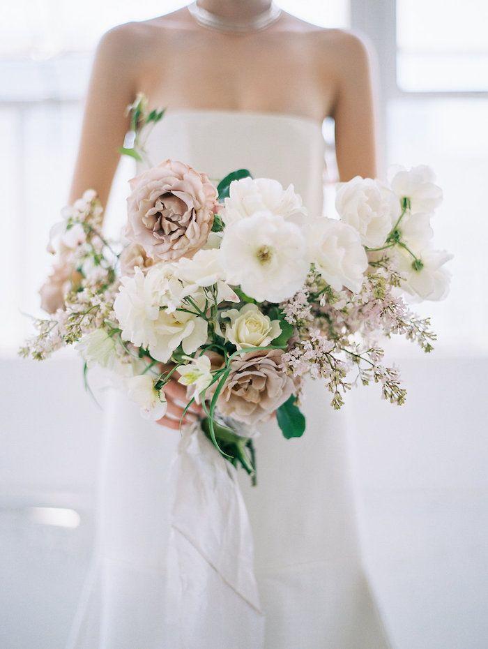Modern Minimalist Wedding With Feminine Style Wedding Bouquets