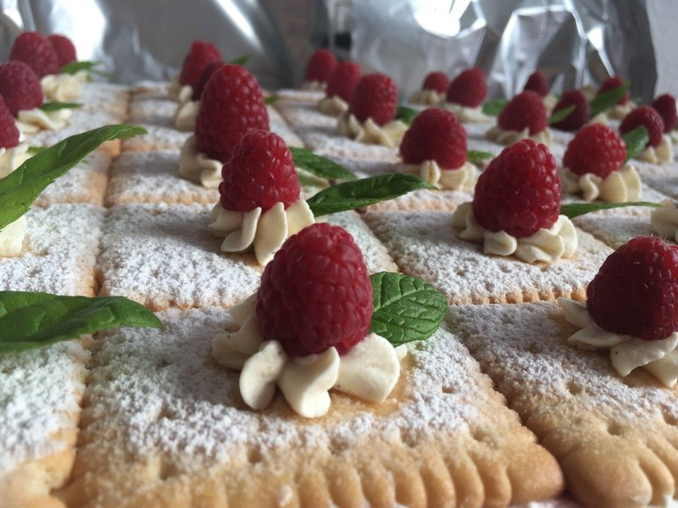 Butterkeks Himbeer Kuchen Susses Kuchen Himbeer Kuchen Und Kekse