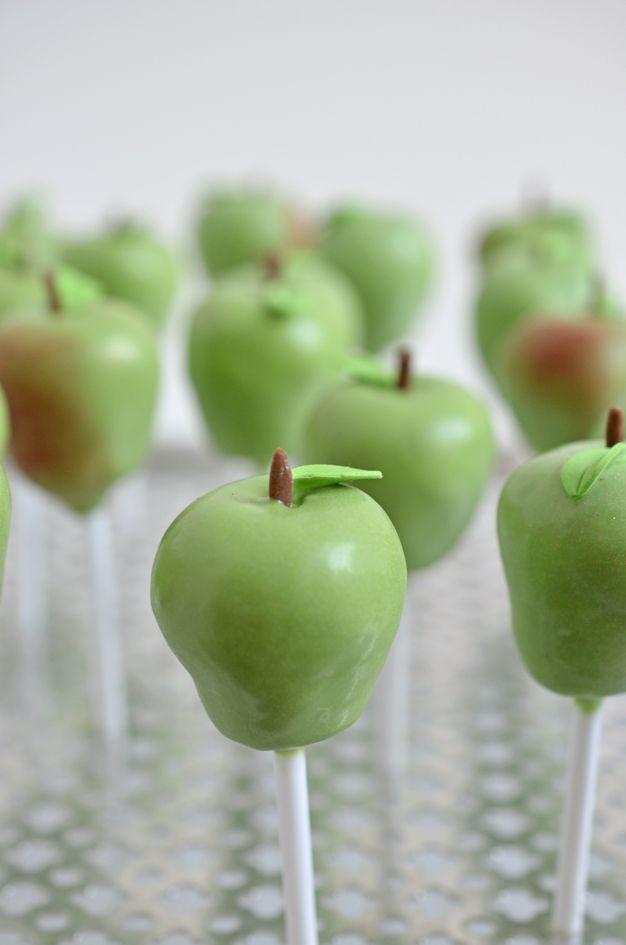 Green Apple cake pop. Chocolate-cake with hazelnut ganache cake pops, dressed as an apple Do