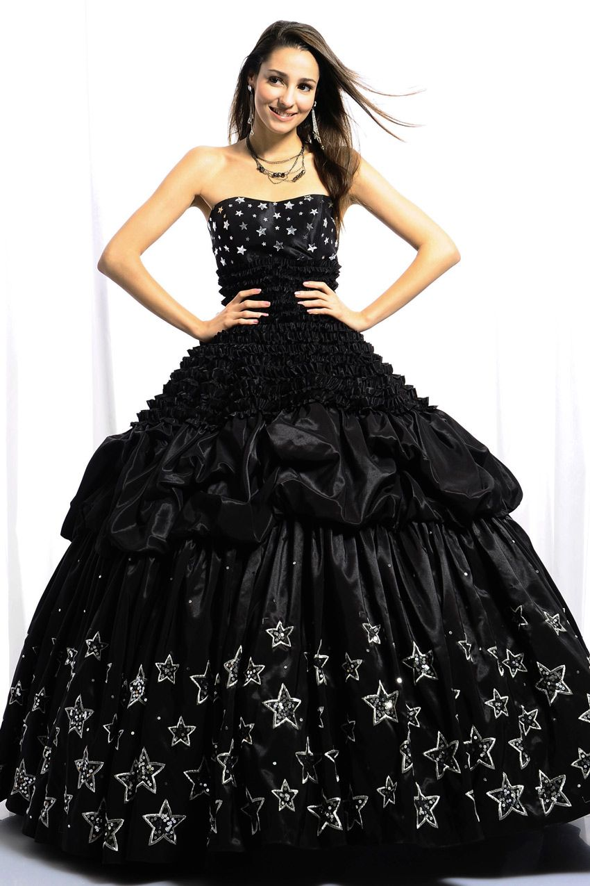 Distinct black strapless fivepointed star design beading ruched