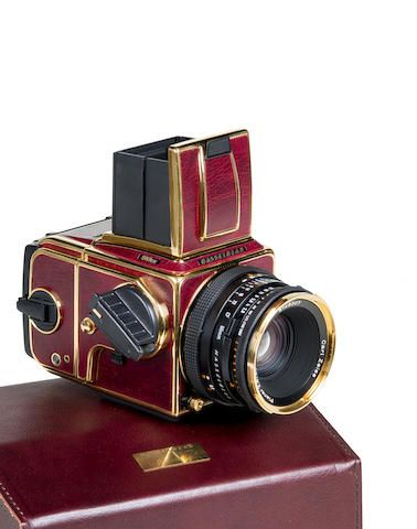 I've said it before and i'll say it again. You simply cannot beat Hasselblad and their Swiss optics! No other camera really does it for me like my Hassy.  Hasselblad 'Gold Supreme' 50 years anniversary 1948-1998 model
