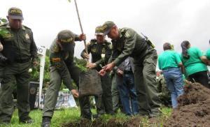 Policia nacional rinde homenaje a las victimas del conflicto armado en Nariño