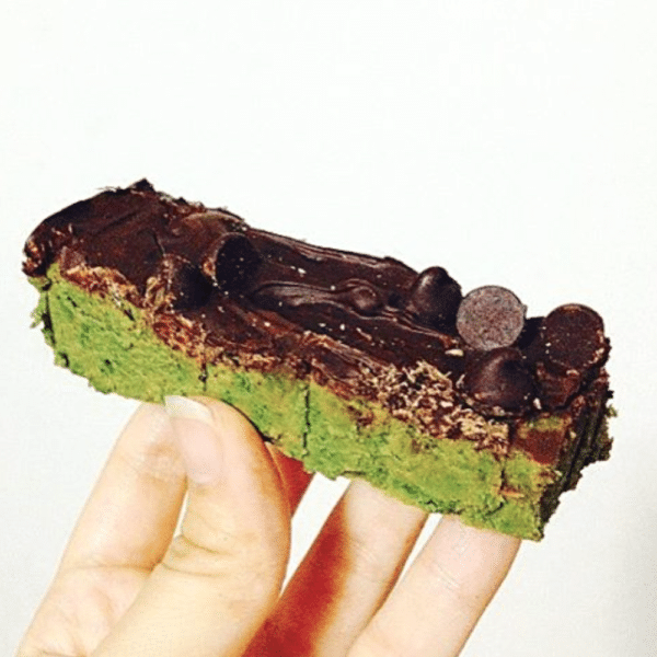 Photo of 48 Easy No-Bake Protein Bar Recipes in DIY Protein Bars Cookbook!