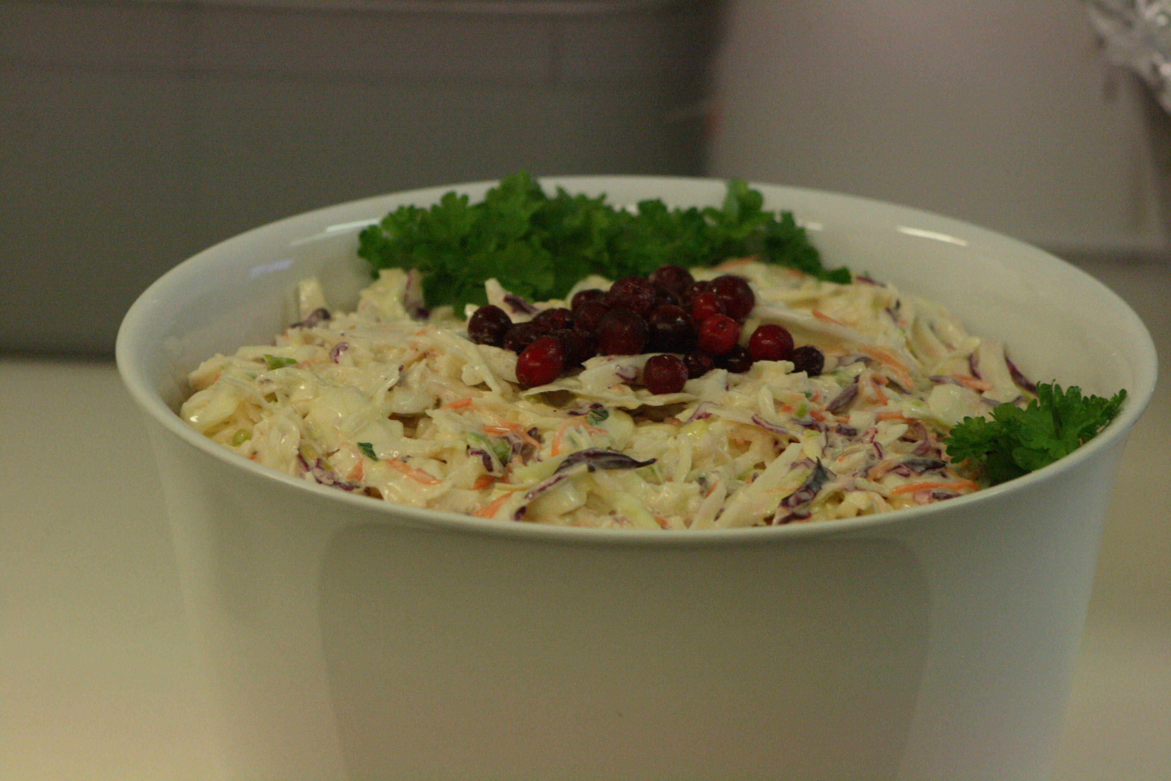 Talvinen coleslaw-salaatti päivälliselle 2016.  #coleslaw #salaatti #salad #vegetable #kasvisruoka