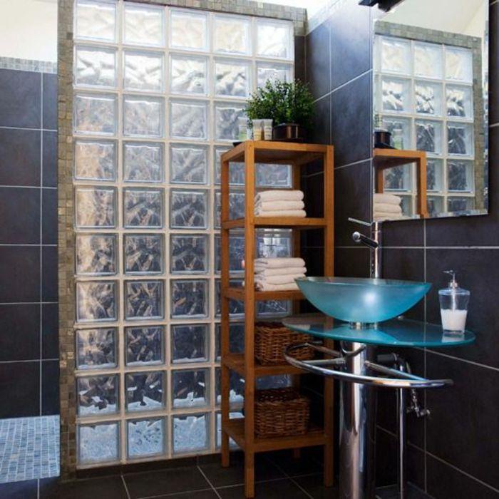 mettons des briques de verre dans la salle de bains grands murs dalle de verre et dalles. Black Bedroom Furniture Sets. Home Design Ideas