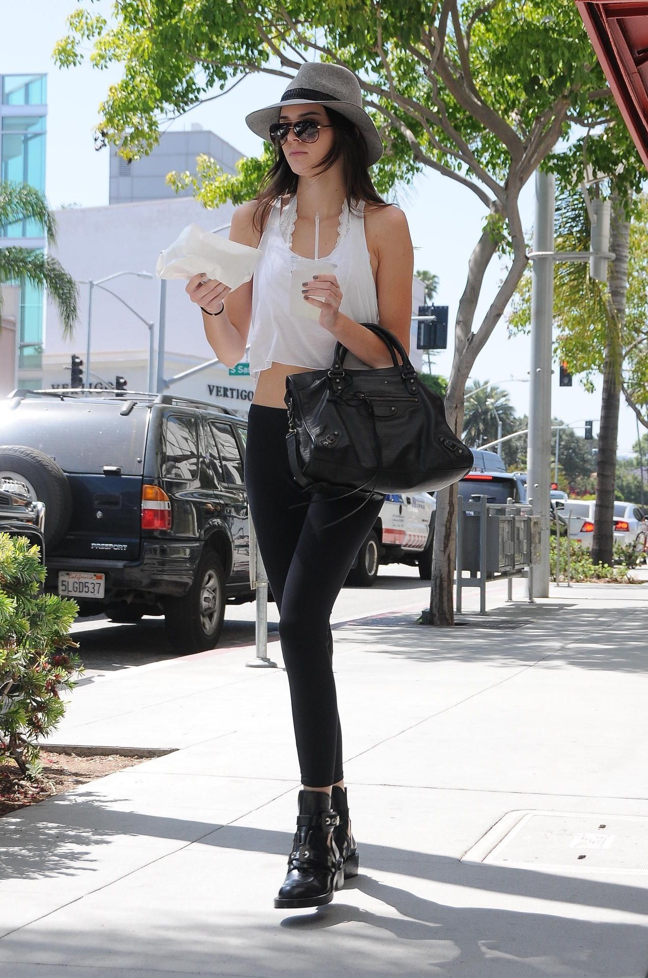 Wonderful style! Kendall's out grabbing lunch
