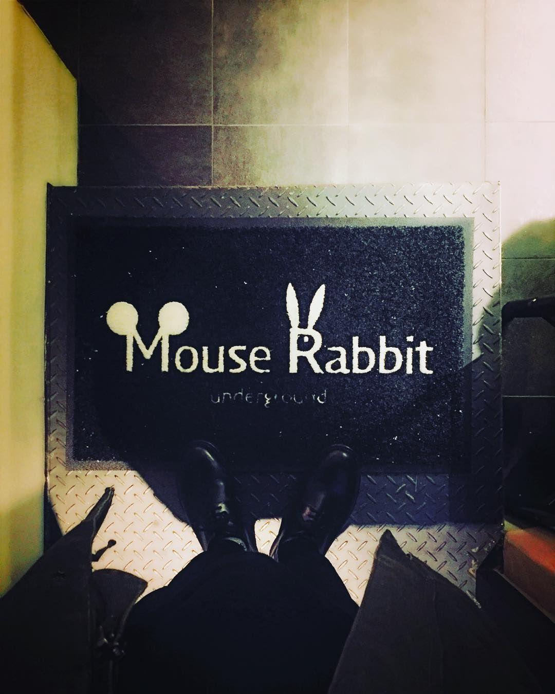 """ #MouseRabbit #샐러드 #커피한잔 #yesung #서촌"""