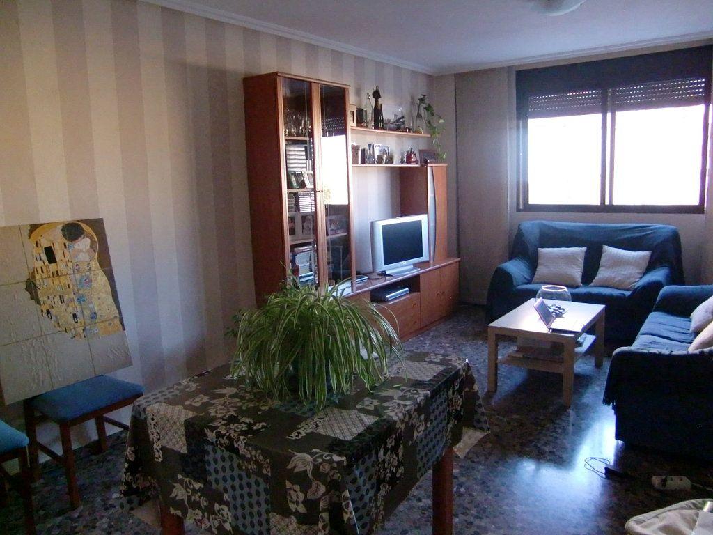 Pintar salón sofas azul marino y muebles cerezo   Sofá azul marino ...