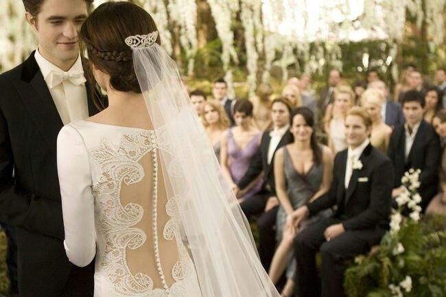Hochzeit Von Bella Und Edward Breaking Dawn Hochzeit Kleid Hochzeit Braut
