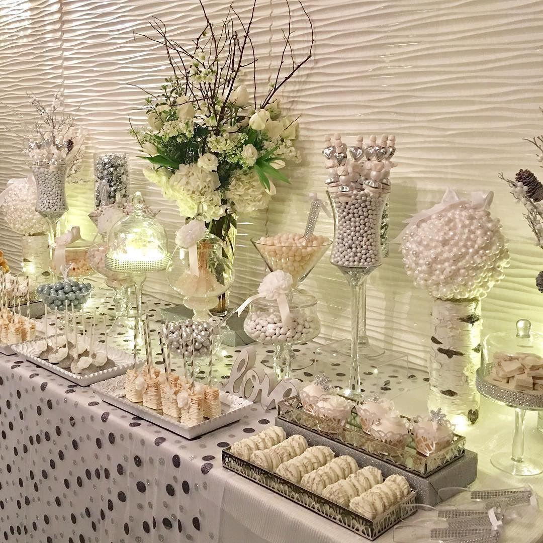 Our #Bride and #Groom loved their #WinterWonderland #Candybar! Creative Partners @marksgarden @thehuntleyhotel