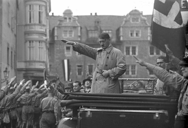 Bundesarchiv Bild 102-10541, Weimar, Aufmarsch der Nationalsozialisten - World War II - Wikipedia, the free encyclopedia