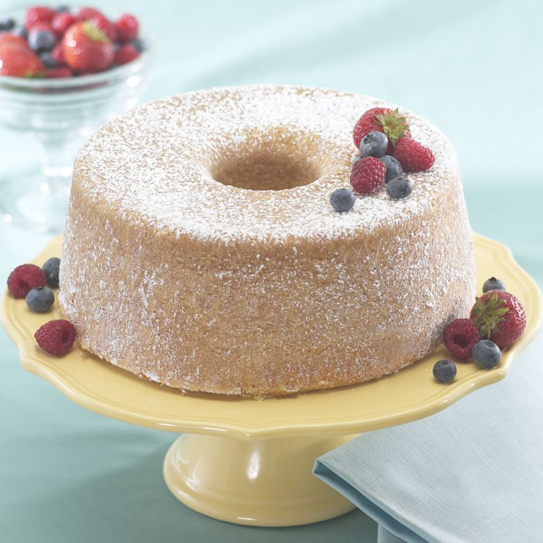 Lemon Cream Angel Food Cake with Berries |Nordic Ware