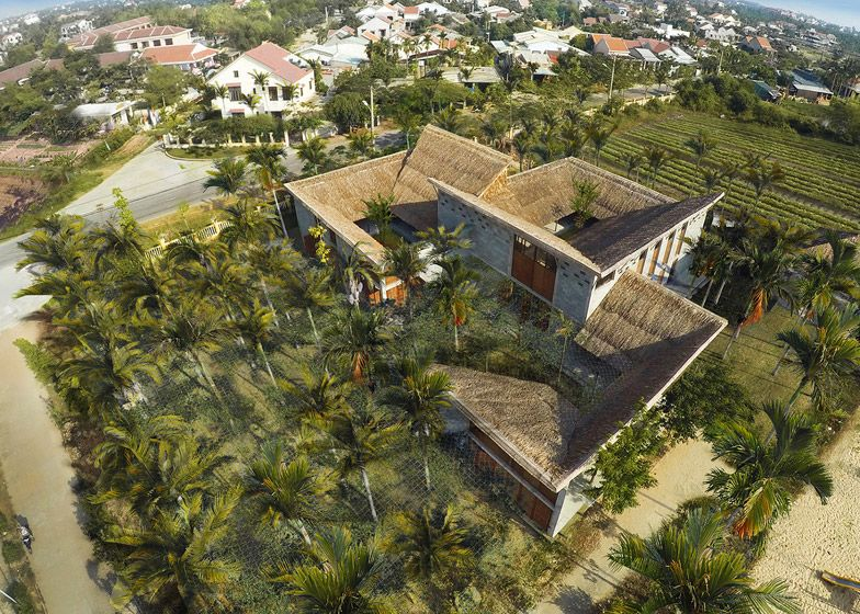 Featuring Thatched Bamboo Roofs Cam Thanh Community House By 1 1 2 Won The Civic And Community Awar World Architecture Festival Architecture Community Housing