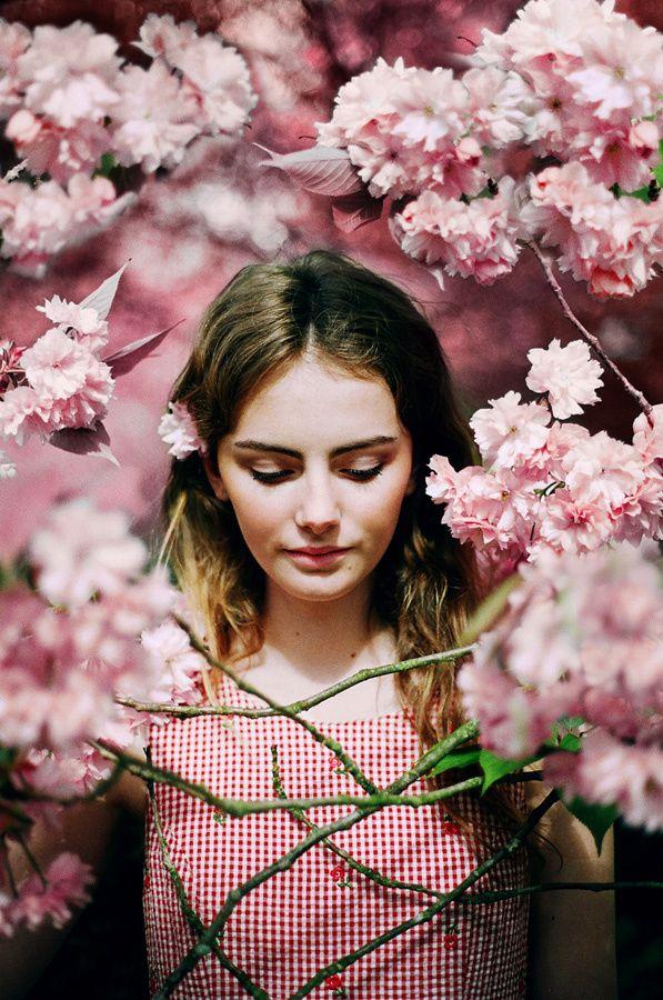 HOLLIE FERNANDO PHOTOGRAPHY - FLOWER SHOWER