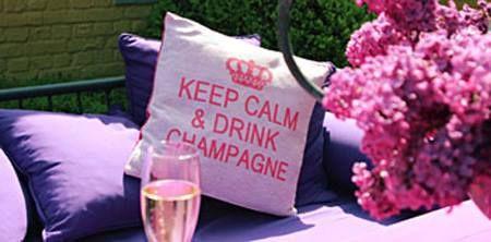 "Klassikko! ""Keep calm and carry on"" on saanut kaverikseen hurmaavat ""Keep calm and drink champagne"" sekä ""Keep calm and eat chocolate""n. Väreinä punainen, lila, turkoosi, pinkki, beige ja harmaa. Koko 45 x 45 cm. #habitare2015 #design #sisustus #messut #helsinki #messukeskus"