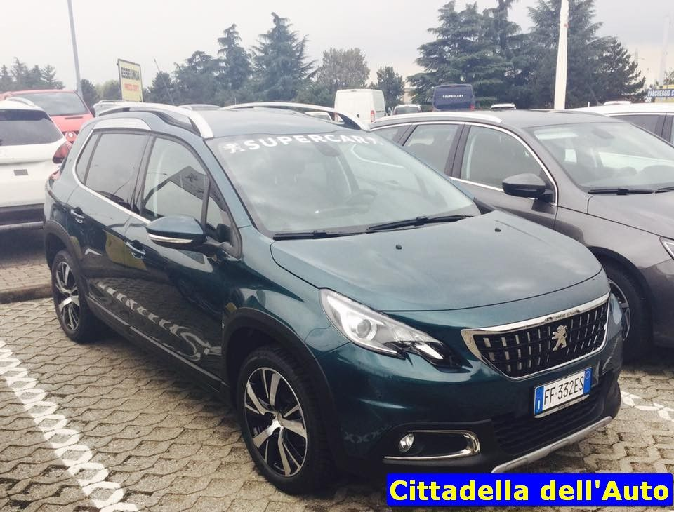 peugeot nuova 2008 blue hdi 100 allure immatricolata agosto 2016 km zero colore emerald crystal. Black Bedroom Furniture Sets. Home Design Ideas