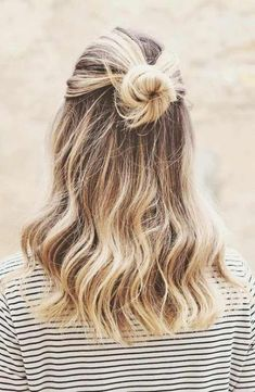 9 Easy Hairstyles For Medium Hair Easy Hair Hairstyles Hairstyles Medium School In 2020 Medium Length Hair Styles Easy Hairstyles For Long Hair Medium Hair Styles