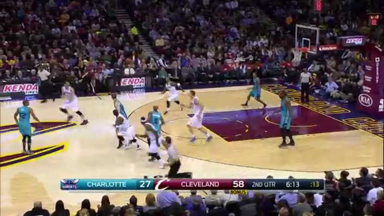 J R Smith Feeds Lebron With A Half Court Alley Oop Pass Alley Oop Lebron Junior