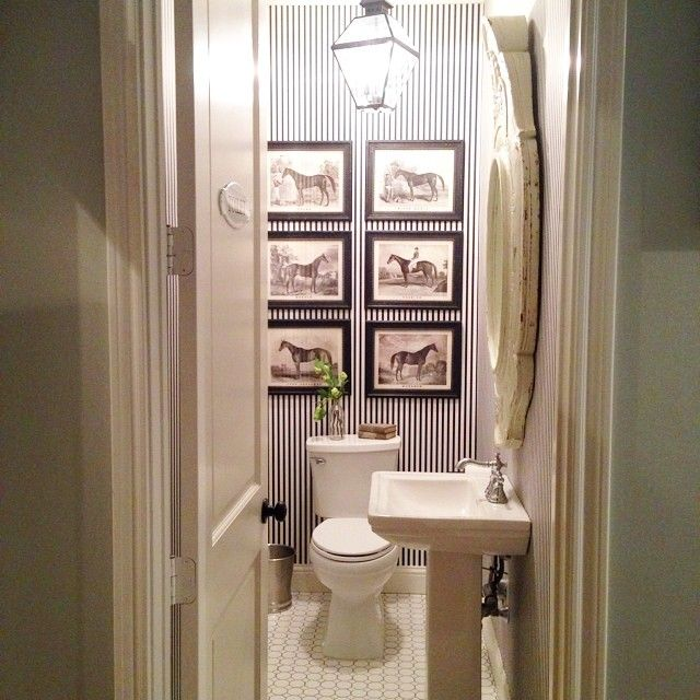 chip and joanna gaines bath inside pinterest joanna gaines bath and powder room. Black Bedroom Furniture Sets. Home Design Ideas