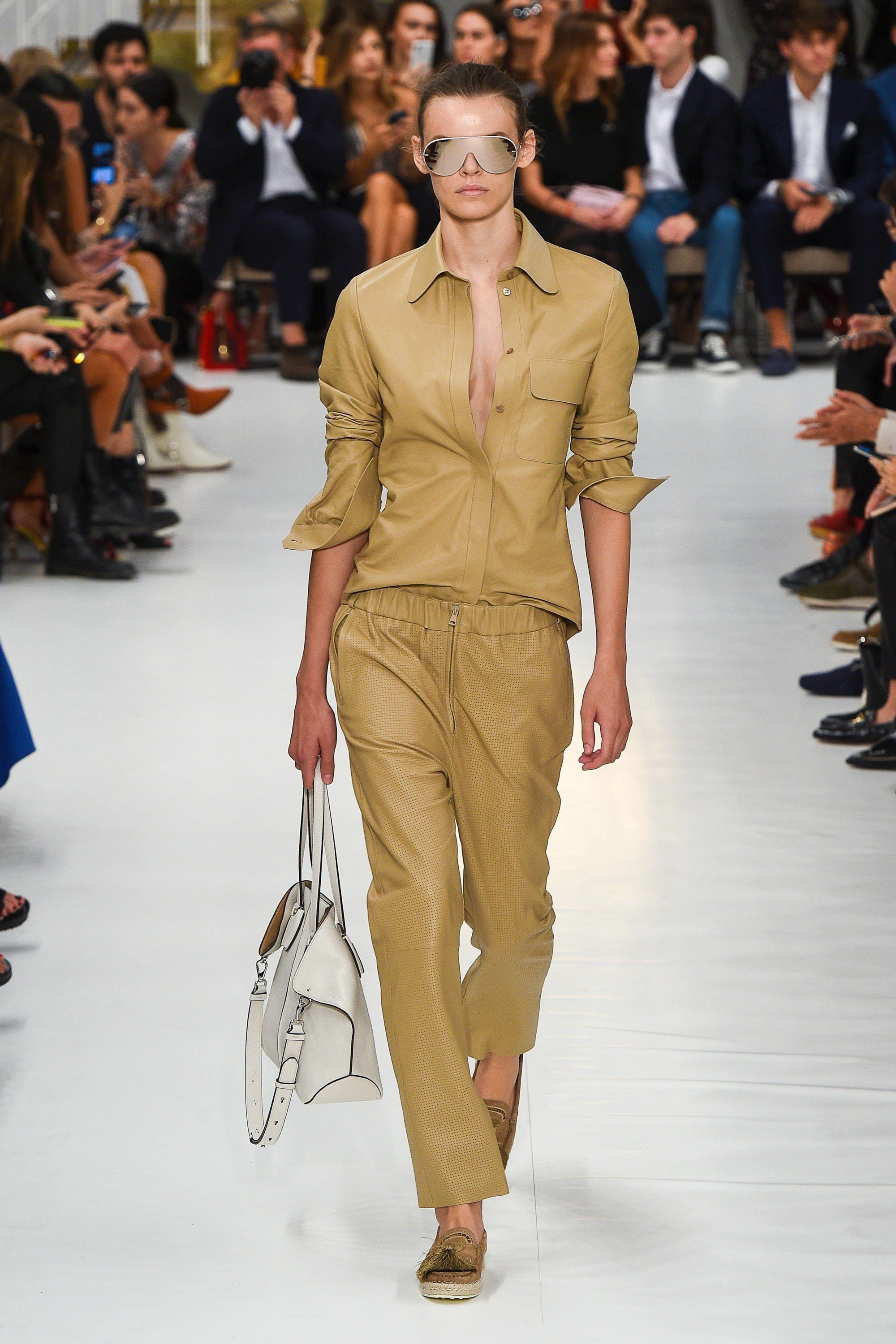 1baeb8093 Tods Spring Summer 2019 Ready To Wear-ready Woman Vogue Runway Beige Trend  - Read the Spring Summer 2019 Trends Fashion Week Coverage on  Houseofcomil.com