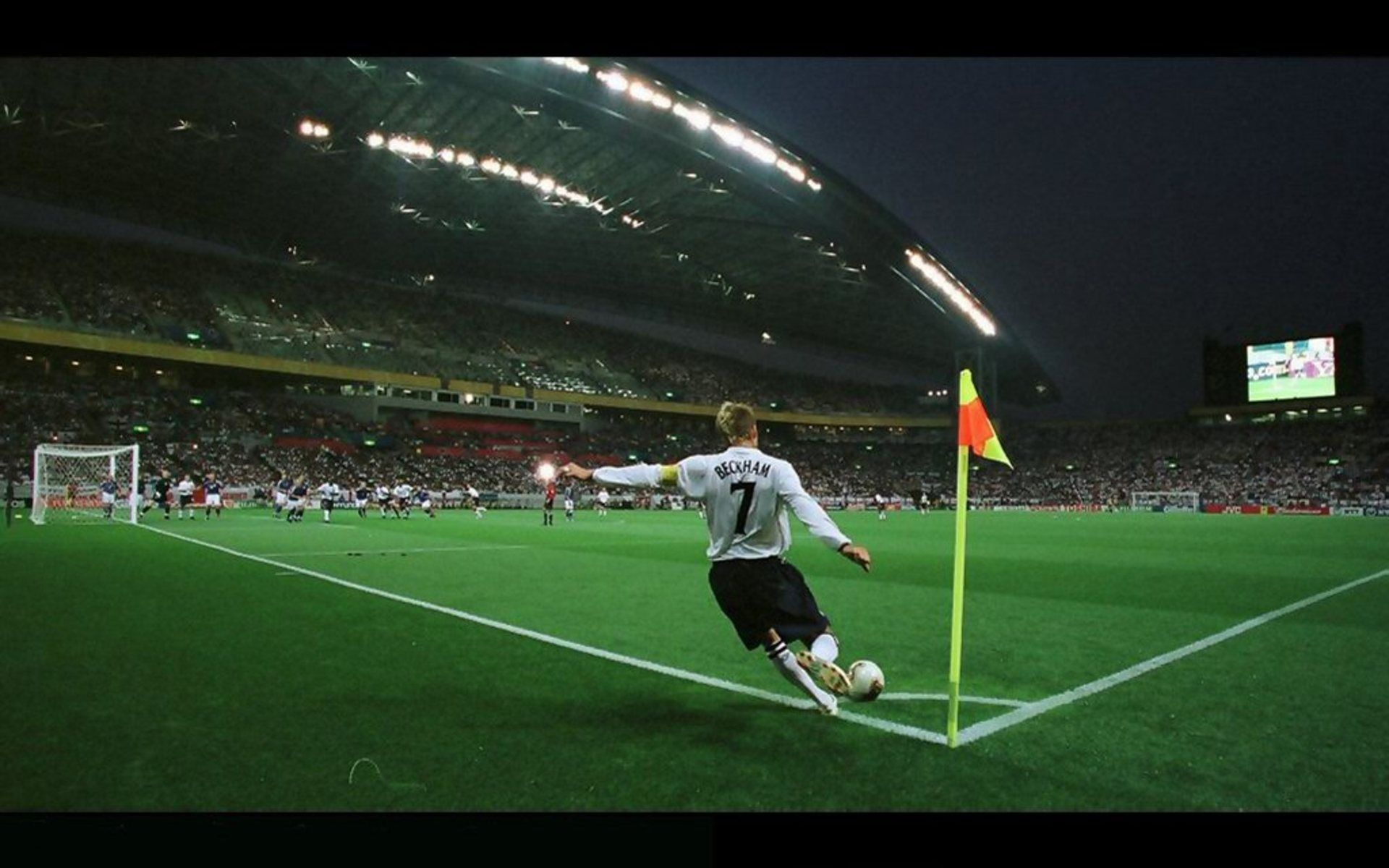 Beckham S Form When Taking A Kick Sports Wallpapers Sports Sports Photos